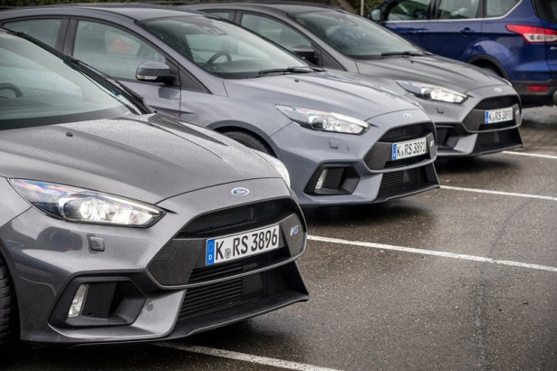 Ford-Focus-RS-parking