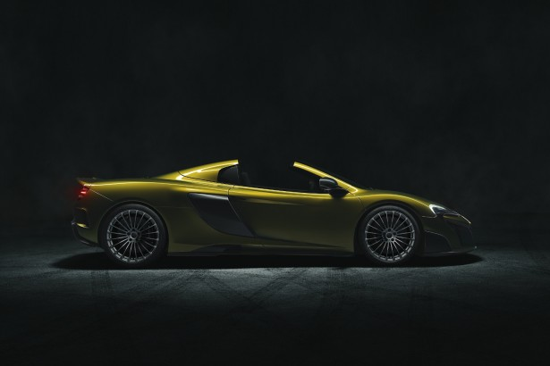 McLaren-675LT-Spider-2016-3