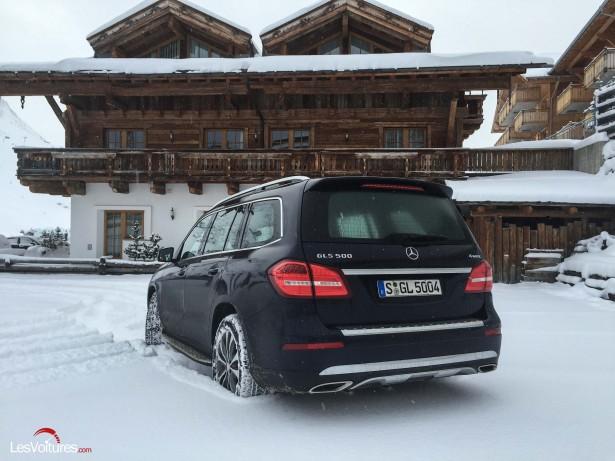 Mercedes-GLS-500-1