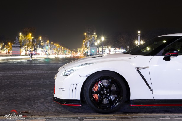 Nissan-GT-R-NISMO-photos-Paris-LesVoitures-Christmas-Noe-23