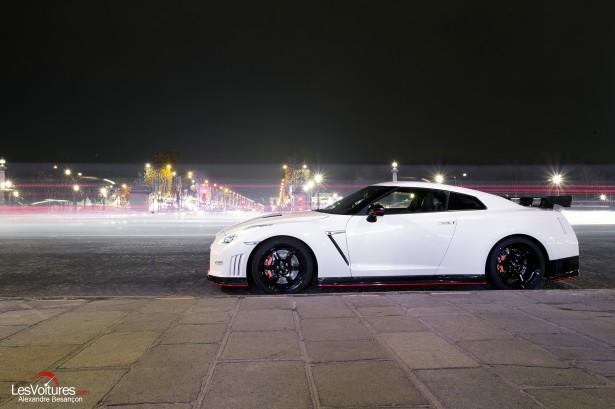 Nissan-GT-R-NISMO-photos-Paris-LesVoitures-Christmas-Noel