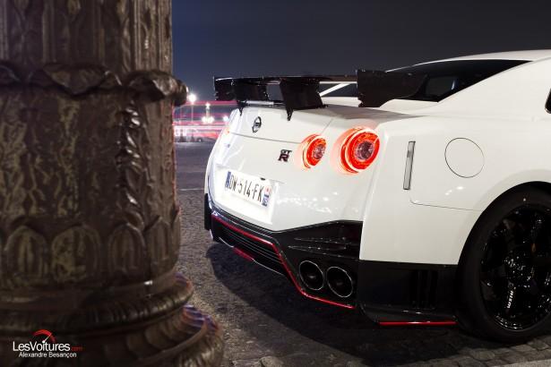 Nissan-GT-R-NISMO-photos-Paris-LesVoitures-Christmas-Noel-8