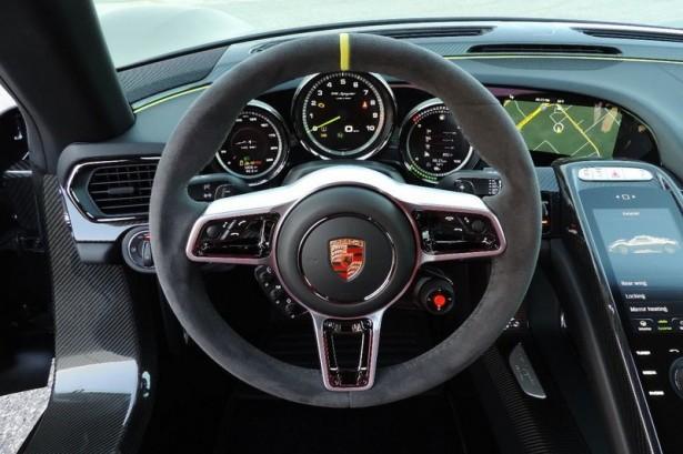 Porsche-918-spyder-Weissach-package-7