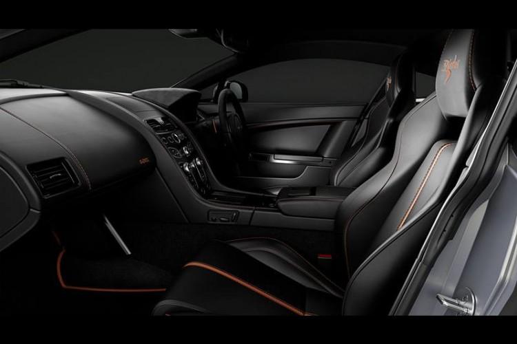 Aston-Martin-V8 Vantage-S-Blades-Edition-interior