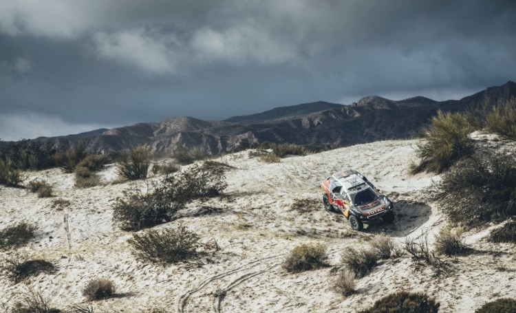 Carlos-Sainz-mini-all4-racing-dakar-2016-11