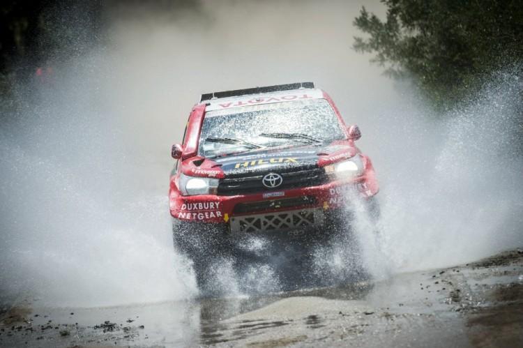 Giniel-de-Villiers-dakar-2016-Toyota-Hilux