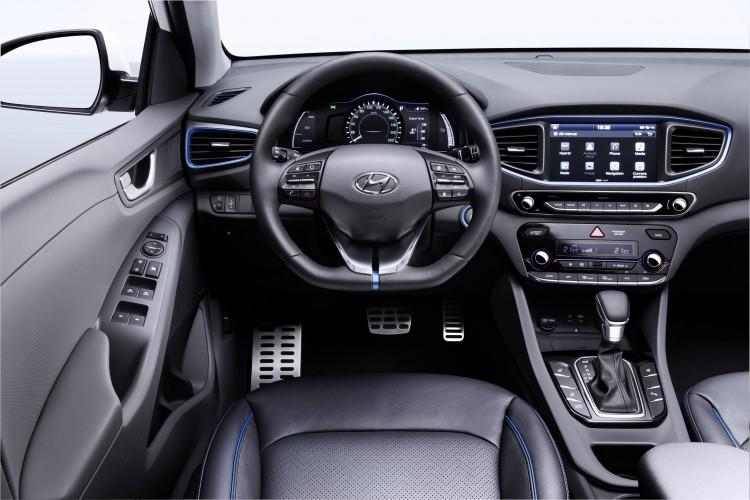 Hyundai6-IONIQ-interior
