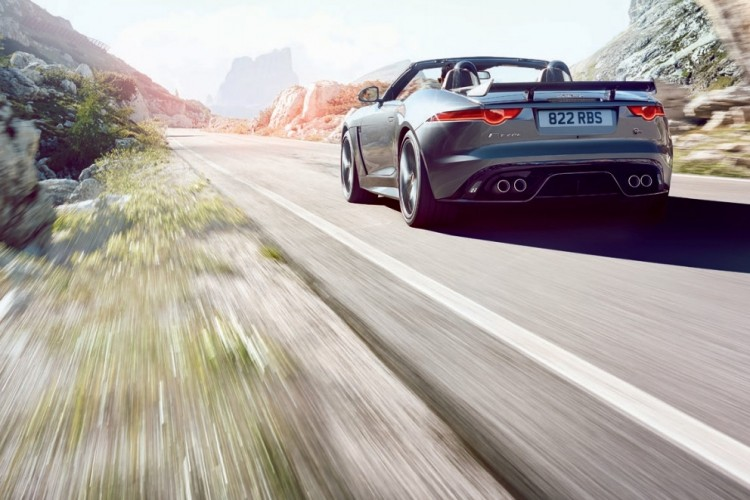 Jaguar-F-Type-SVR-2016-5