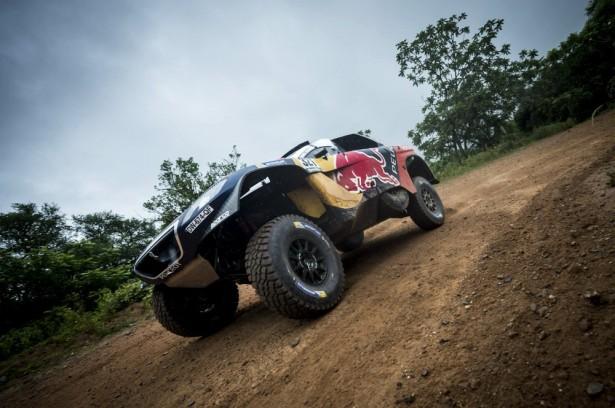Peugeot-2008-DKR-dakar-cyril-despres