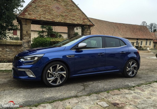 Renault-Megane-2016-1