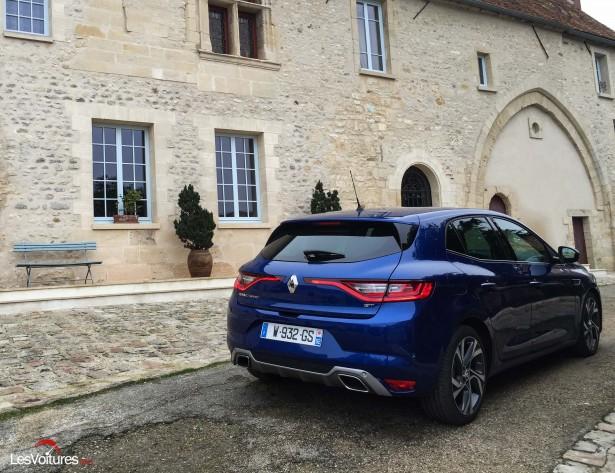 Renault-Megane-2016-6