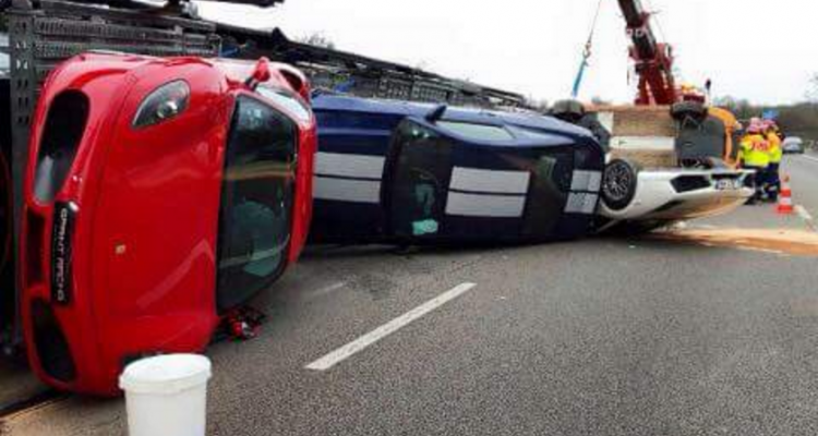 http://lesvoitures.fr/wp-content/uploads/2016/01/accident-a12-supercar-bailly-camion-750x400.png