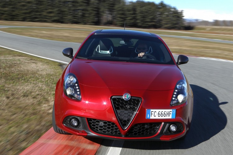 Alfa-Romeo-Giulietta-2016-10