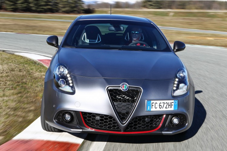 Alfa-Romeo-Giulietta-2016-11