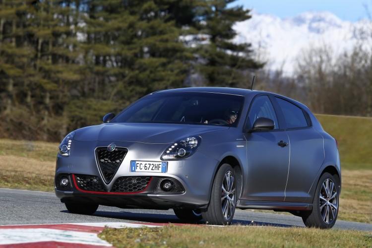 Alfa-Romeo-Giulietta-2016-15