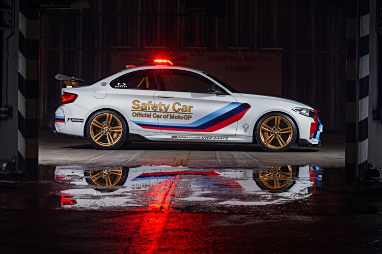 BMW-M2-MotoGP-Safety-Car-2016-8