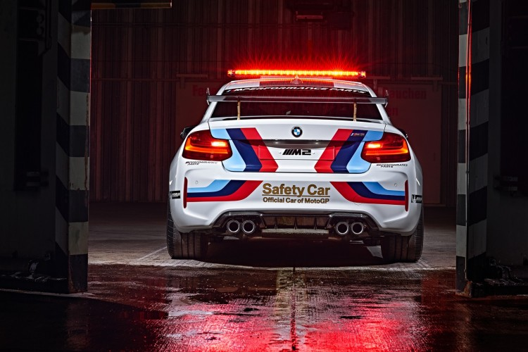 BMW-M2-MotoGP-Safety-Car-2016-9