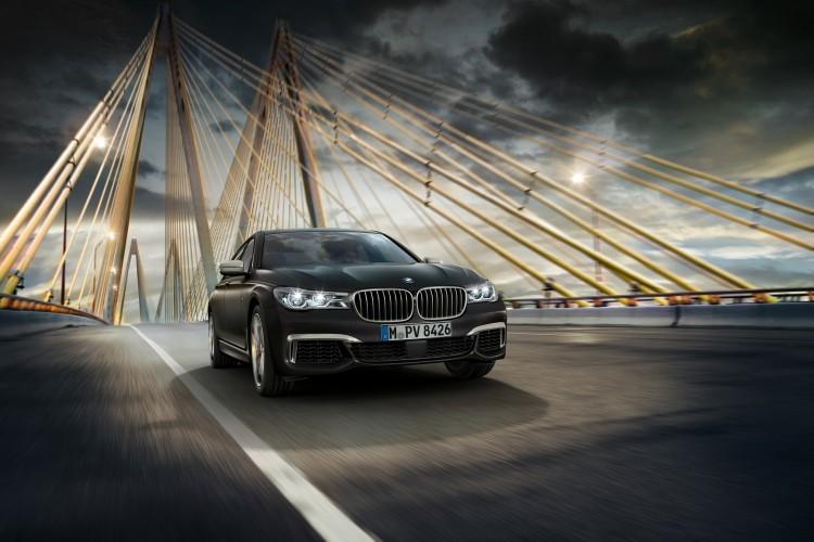 BMW-M760i-xDrive-24