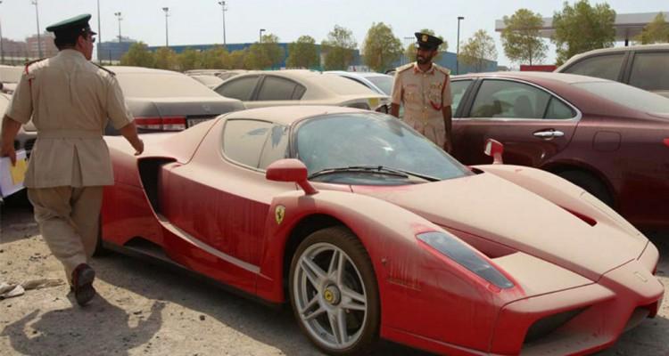 Ferrari-Enzo-Dubai-abandon