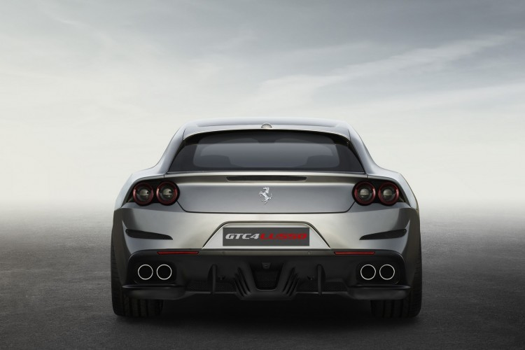 Ferrari-GTC4Lusso-2016-5