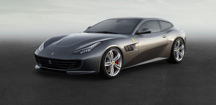 Ferrari-GTC4Lusso-2016-couv