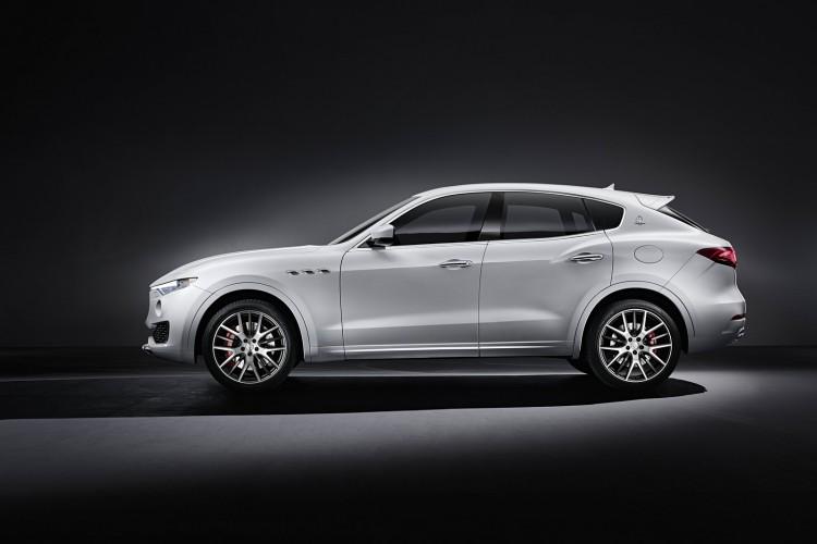 Maserati-Levante-2016-3