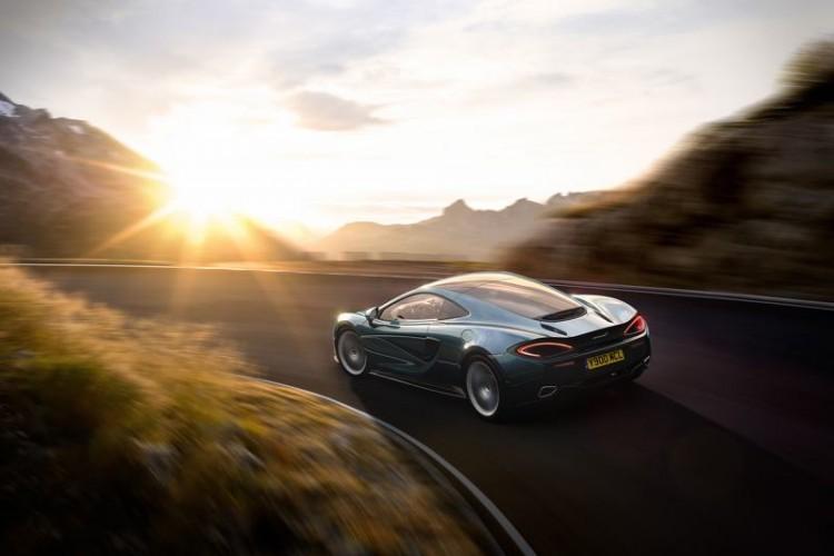 McLaren-570GT-2016-28