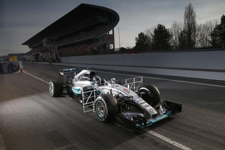 Mercedes-F1-Barcelona-2016-test-2