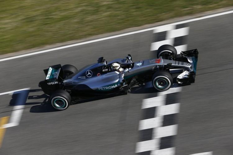 Mercedes-F1-Barcelona-2016-test-3