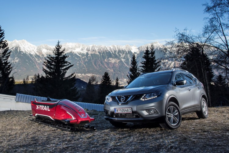 nissan bobsleigh x trail 7 places nous avons d fi la piste des jo d 39 innsbruck les voitures. Black Bedroom Furniture Sets. Home Design Ideas