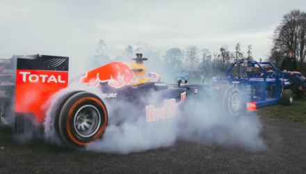 video-f1-red-bull-rb8-rugby-bath