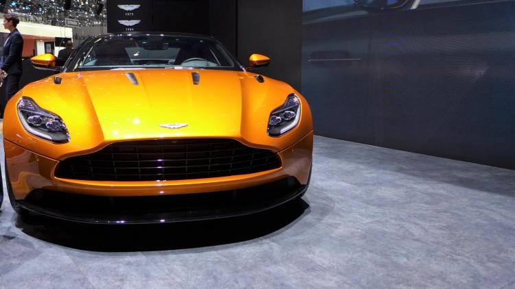 Aston-Martin-db11 (1)