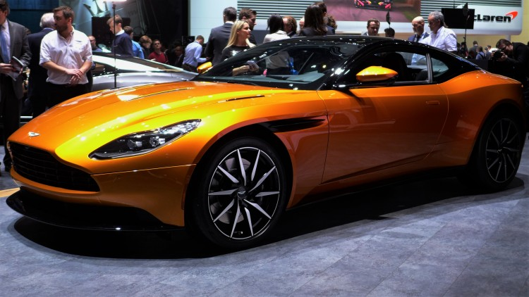 Aston-Martin-db11 (10)