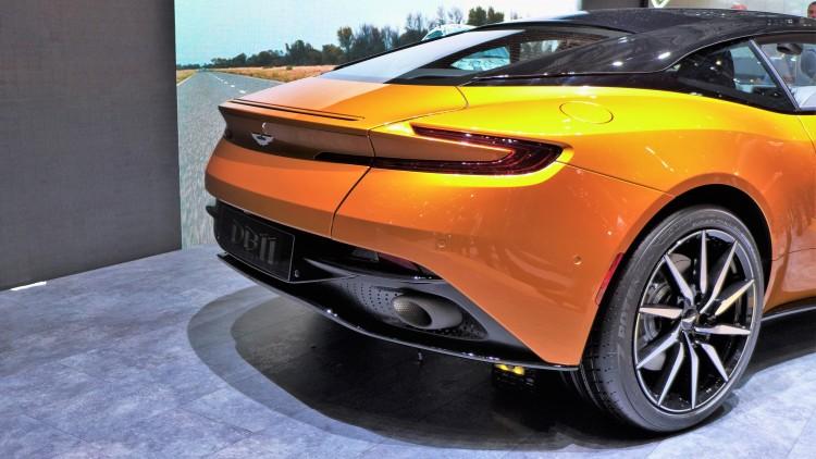 Aston-Martin-db11 (2)