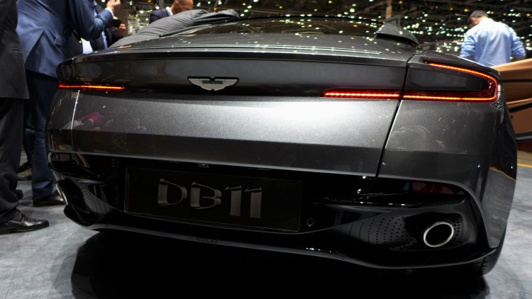 Aston-Martin-db11 (5)
