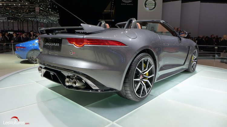 Jaguar-f-type-svr (14)