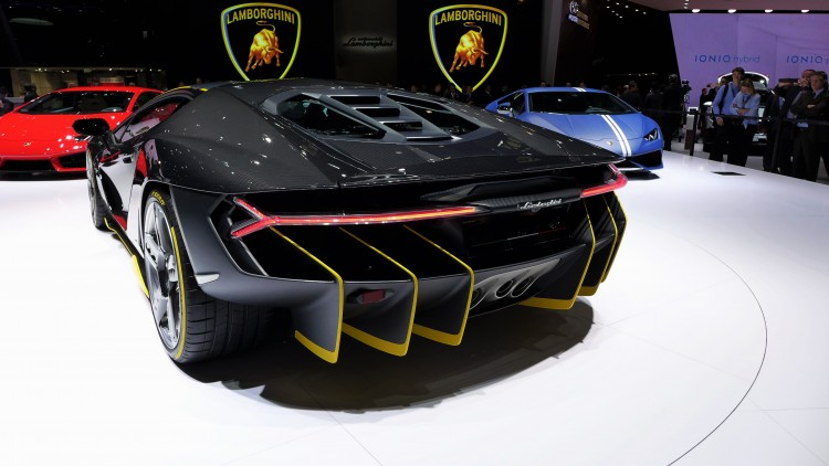 Lamborghini Centenario-LP 770-4-geneva-11
