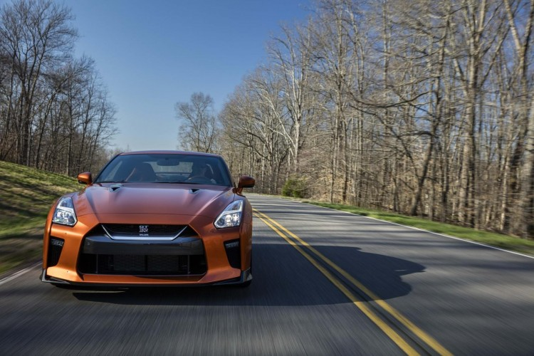 Nissan-gt-r-2016-new-15