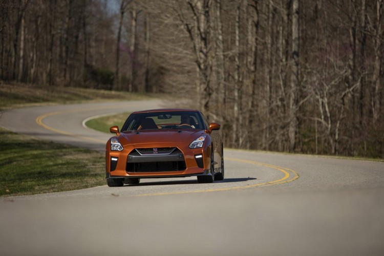 Nissan-gt-r-2016-new-17