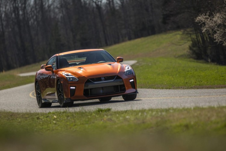 Nissan-gt-r-2016-new-18