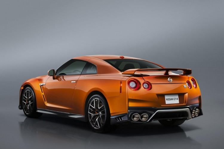 Nissan-gt-r-2016-new-5