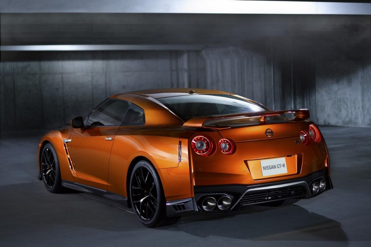 Nissan-gt-r-2016-new-7