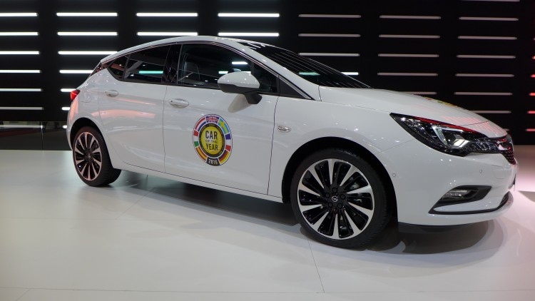 Opel-Astra-car-of-the-year (1)