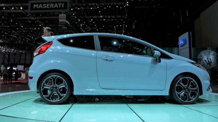 ford-fiesta-st200-photo-video-geneve-2016 (7)
