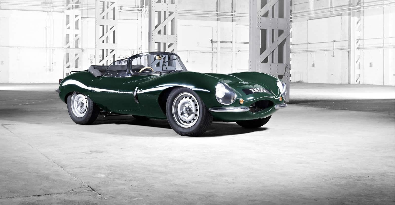 jaguar xkss 9 exemplaires de la mythique voiture de steve mcqueen vont tre reconstruits. Black Bedroom Furniture Sets. Home Design Ideas