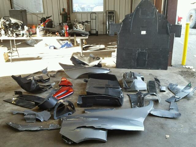 porsche 918 spyder un exemplaire d truit estim 1 3 m vendre pour pi ces les voitures. Black Bedroom Furniture Sets. Home Design Ideas