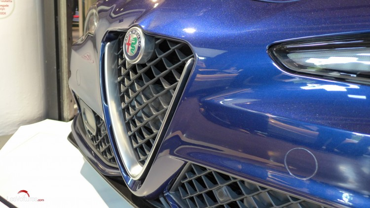 Alfa-Romeo-Giulia-motorvillage-paris-14