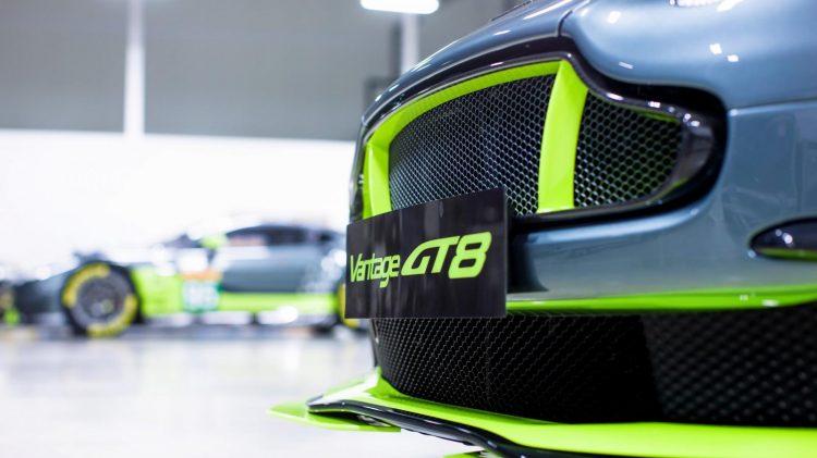Aston-Martin-Vantage GT8-2016-3