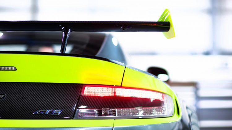 Aston-Martin-Vantage GT8-2016-6