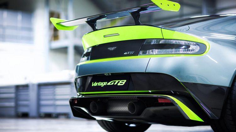 Aston-Martin-Vantage GT8-2016-8